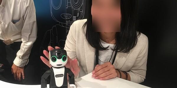 【ロボット】モバイル型ロボット電話『RoBoHoN(ロボホン)』の販売開始を発表!